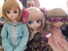 Emi and Charlie with Alice (Fidjie) Tags: doll bjd alice pullip io emi charlie stica starks