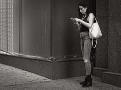 5th Avenue, NYC (SG Dorney) Tags: ny nyc newyork newyorkcity manhattan street streetphoto streetphotography blackandwhite bw blackwhite mono monochrome