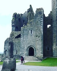 Rock of Cashel Tipperary Ireland   #irishhistory #irelandcalling #history #visitireland #travelireland #travelireland2016 #continentchasers #travelingram (continentchasers1) Tags: travelireland visitireland irelandcalling history continentchasers travelireland2016 travelingram irishhistory