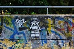 EZK_9071 Petite Ceinture Paris 15 (meuh1246) Tags: streetart paris ezk petiteceinture paris15 robot