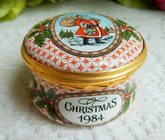 Halcyon Days English England Enamels Trinket Pill Box 1984 Christmas (Donna's Collectables) Tags: halcyon days english england enamels trinket pill box 1984 christmas