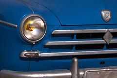 Le vieille renault bleue (mrieffly) Tags: bleu renaultfrgate phare calandre canoneos50d 100400issriel