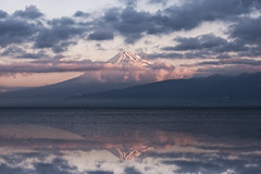 Muted Sunrise (arcreyes [-ratamahatta-]) Tags: reflection japan sunrise cloudy izu mtfuji numazu shizuokaprefecture