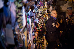 Cross Bones Graveyard - 2 (Paulo Dykes) Tags: graveyard ribbons gates vigil prostitutes southwark burialground johnconstable theborough crossbonesgraveyard redcrossway graverobber bishopofwinchester winchestergeese resurrectionmen unconsecratedgraveyard libertyoftheclink