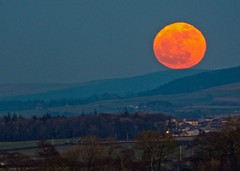 Full moon rising (velton) Tags: uk moon rising scotland britain hill scottish full gb rise ayrshire loudon