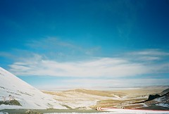 (Jingyuer) Tags: china winter film nb tibet 24mm kodakfilm f19 2013 feb20 fujifilmnaturablack kodakektar100 naqucounty 2013007