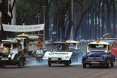 Saigon 1969 - Góc Thống Nhất-Duy Tân, phía sau nhà thờ Đức Bà (manhhai) Tags: 1969 1968 saigon