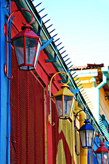 untitled (la boca - buenos aires, argentina) (bloodybee) Tags: street blue red urban americalatina southamerica lamp argentina yellow buenosaires laboca primarycolors caminito