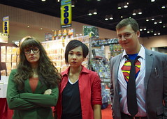 Daria and Jane are not impressed with Clark. (Fernando Lenis) Tags: orlando jane florida cosplay olympus clark megacon daria pl5 2013