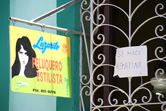 Lazarito Hairdresser Stylist, Santa Clara, Cuba (Junagarh) Tags: home sign advertising cuba hairdresser santaclara athome caribbean coiffeur enseigne publicite stylist buisness peluquero junagarh villaclara styliste keratine