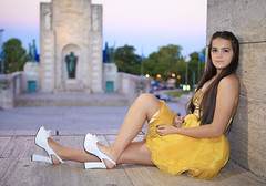 Agustina (barnigomez) Tags: portrait argentina beauty yellow pretty princess retrato monumento adolescente amarillo teen bonita bandera rosario agus princesa cumpleaos 15aos nomumentoalabandera canon5dmarkii mygearandme agustinaroselli