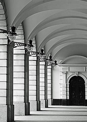 Covent Garden covered walk way (BW) (Nikon D7100) (markdbaynham) Tags: city urban bw white black london monochrome architecture digital garden nikon capital covent cropped format dslr sensor dx apsc d7100