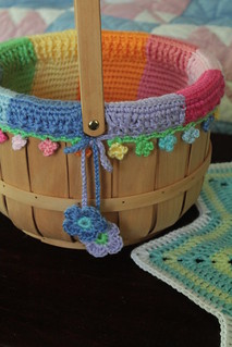 Color wheel basket liner