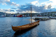 Former transport: Sailboat (jaeschol) Tags: europa faroeislands segelboot streymoy torshavn vikinger vikings sailboat trshavn fo teinringur