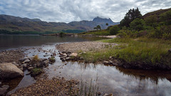 Slioch (Uillihans Dias) Tags: slioch scotland unitedkingdom uk landscape highlands lake loch trees clouds tokina d7200