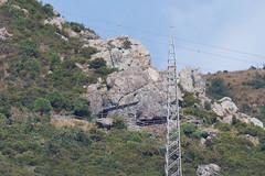 nelle fasce rocciose il riparo Scarpeggin 506 m s.l.m.  (explored) (Carla@) Tags: liguria italia europa mfcc canon