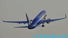 LN-RGI -  SAS Scandinavian Airlines - Boeing 737-86N(WL) - PMI/LEPA (Juan Rodriguez - PMI/LEPA) Tags: nikon d90 sigma 70200mm 80400mm pmilepa aeropuerto airport sonsanjuan sonsantjoan palma mallorca aeroplano plane planes airplane airplanes aircraft boeing b737 sas sasscadinavianarilines lnrgi