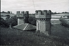 1950s : Clayton Tunnel Entrance near Hassocks on the London - Brighton line (pix42day) Tags: sussex railway 1950s claytontunnel southernrailway hassocks londontobrightonline claytontunnelentrance