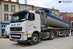 Volvo FH420 (Alexandre Prvot) Tags: france truck volvo construction transport 420 camion nancy construccin tp lorraine worksite fh buildingsite travaux tracteur chantier sld remorque travauxpublics cugn grandnancy fh420 volvofh420 sldtp sldtravauxpublics baustellebauplatz