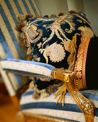 CB045294 (elizabetheastcobber) Tags: needlework chairs furniture embroidery pillows richness domesticscenes everydayscenes seatingfurniture luxury furnishings elegance goodlife culturalartifacts armchairs ethnicartifact bergeres