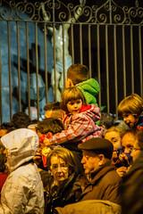 En el fondo te amo. (Frankness2008) Tags: santa españa canon eos noche huesca gente zoom jesus personas cruz nocturna aragon cristo tamron 18200 semana cristiano jaca catolico callejera