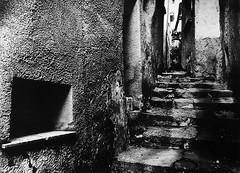 Caggiano (SA) - 2012 (marmage) Tags: italy mamiya town 645 italia trix d76 45mm paese sekor m645j caggiano eukobrom fomabrom durstf60