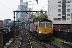 "GB Railfreight Class 66/7, 66717 ""Good Old Boy"" (37190 ""Dalzell"") Tags: gbrf gbrailfreight europorte gm generalmotors shed bluebird class66 class667 66717 goodoldboy piccadilly manchester"