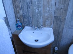 3428 Holiday let (Andy panomaniacanonymous) Tags: 20160815 bathroom bbb ccc checksfield hhh holidaycottage holidaylet kent lll selfcatering sss tiles ttt washbasin woodeffect www