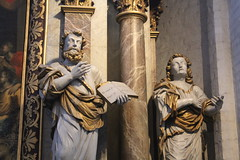 Ystad Church statues (Maukee) Tags: ystad sweden