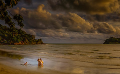 First time in paradise. . . (Stan Smucker) Tags: sea cloud kohchang family paradise goldcollection