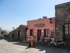 """Colonia del Sacramento: le quartier historique <a style=""""margin-left:10px; font-size:0.8em;"""" href=""""http://www.flickr.com/photos/127723101@N04/29079043884/"""" target=""""_blank"""">@flickr</a>"""