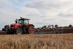 Massey Ferguson 7626 (hughdiniphoto) Tags: masseyferguson mf farming yorkshirewolds yorkshire lemken varidiamont plough