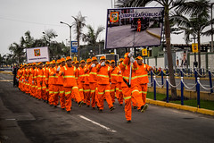 Lima (Mariasme) Tags: lima peru inuniform march parade orange many