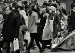 Girl (heiko.moser (+ 9.500.000 views )) Tags: sw schwarzweiss street strasse streetart streetfotografie schwarzweis streetportrait streetfoto people personen publicity person portrait leute menschen monochrom mono teen teens girl women woman frau young youngwoman discover entdecken einfarbig eyecatch noiretblanc nb nero bw blackwihte blancoynegro canon candid city heikomoser
