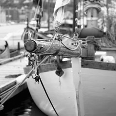 Colin Archer (odda66) Tags: colinarcher sailboat wood monocrome blackandwhite woodboat fujifilmxe2 supertakumar11855 supertakumar 55mmlens