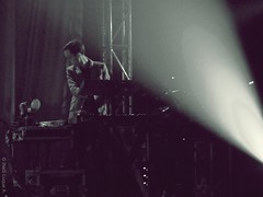 The Horrors (Ins Luque Aravena) Tags: stage gig concert horrors tomethy furse keyboards light monochrome