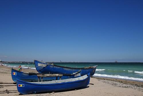 Blue boats (AP4P0632 1PS)