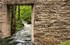 A river runs through it (Chizuka2010) Tags: river rivire waterfall chutes framing frame cadre cadrage doorway stones stonewall murdepierre luciegagnon riverrunsthroughit flow flood