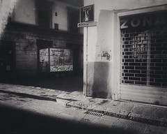 Agosto a Firenze (ale2000) Tags: firenze snapseed mextures fotomobile mobile summer corner inthecity city summerintown august agosto bw biancoenero blackandwhite road street empty emptiness quiet quietness tranquillit