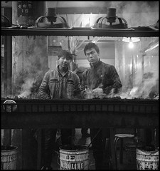 Skewers anyone? (Balthus Van Tassel) Tags: china street food cooking asia xian 400 lamb hp5 ilford yashica skewers