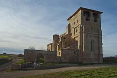Iglesia de Santiago Apóstol (Villamorón - Burgos) (V. Bermejo) Tags: arquitectura cielo burgos castillayleon atardeceranochecer