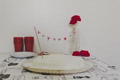 habemos fiesta (barbara carneiro) Tags: birthday red party diy handmade vermelho bolo festa aniversário doityourself babileta