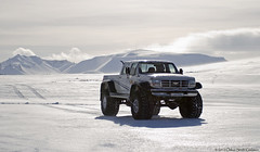 JAKINN Superjeep (Sindrinn) Tags: winter iceland highlands jeep 1740mm sland 2012 vetur chevypickup superjeep chervolet jeppi 44inches canon7d