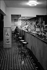 Afternoon in the tavern (Jontxu Fernandez) Tags: street bar fuji streetphotography bilbao finepix taberna cascoviejo x100 iturribide