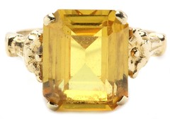 1002. Gold and Citrine Ring