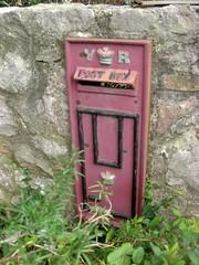 VR Replica Box Bishopsteignton South Devon (Bridgemarker Tim) Tags: letterboxes teignmouth jackspatch tq14 victorianboxes bishopteignton