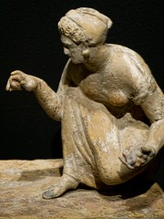 One of Two young women playing knucklebones Greek 330-300 BCE said to be from Capua, Italy (mharrsch) Tags: italy sculpture woman game statue female oregon portland greek ancient 4thcenturybce britishmuseum capua portlandartmuseum bodybeautiful knucklebones mharrsch