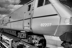 Too close for comfort!? (Dammow) Tags: train intercity 225 grantham ect intercity225 82207 eastcoasttrains