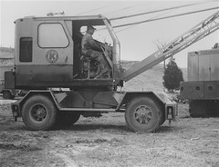 Grue mobile Koehring 205 ''Crane Cruiser''  (2) (PLEIN CIEL) Tags: mobilecrane koehring gruemobile koehring205 koehringcruisercrane cruisercrane gruemontéesurpalteaumobile