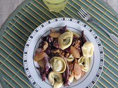 Tortelloni with radicchio, walnuts and fried pears (Sandwood.) Tags: food cooking dinner lunch pears pasta homecooking tortelloni radicchio meatfree